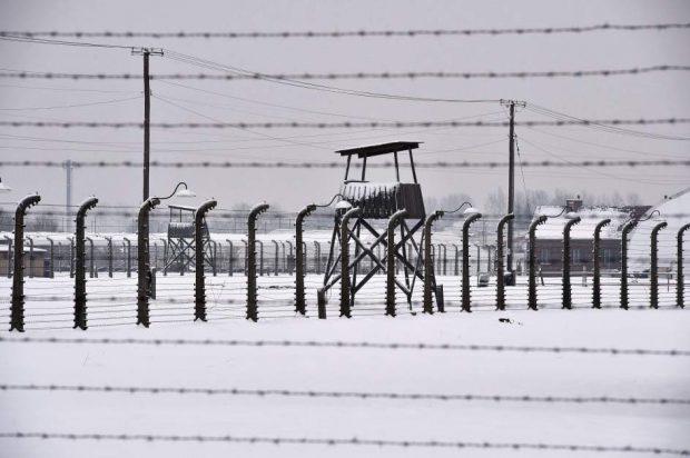 Vista general de las instalaciones del campo de concentración alemán nazi Auschwitz II-Birkenau en Oswiecim (Polonia). ( Jacek Bednarczyk / EFE)