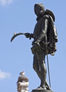 Estatua de Cervantes en Alcalá de Henares.