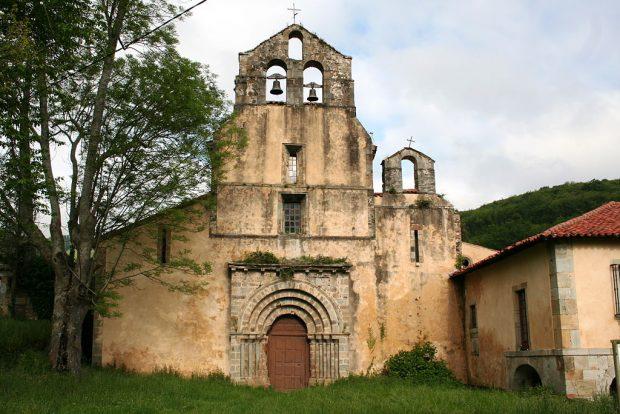 Iglesia del Monasterio de Obona (Asturias) (WIKIPEDIA)