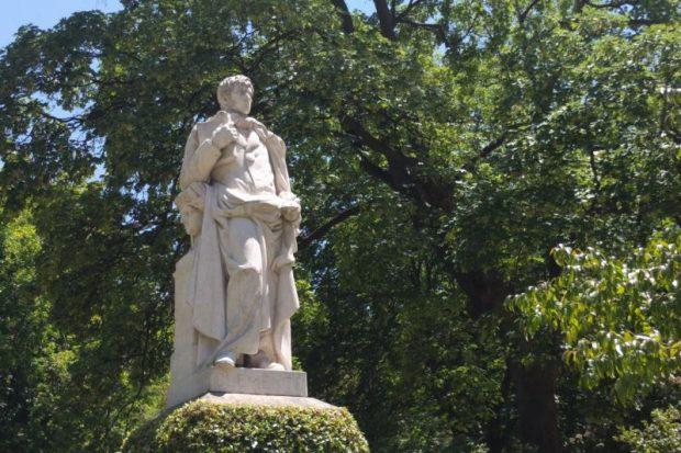 Estatua de Simón de Rojas Clemente en el Real Jardín Botánico de Madrid. / Marta G. Gonzalo