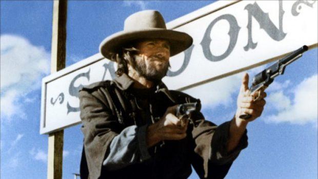 Fotograma de la película 'El fuera de la ley'
