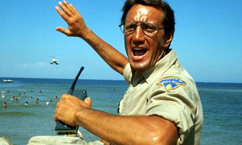 El actor Roy Scheider en la película Tiburón