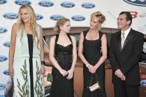 Daryl Hannah, Antonio Banderas, Melanie Griffith y su hija Stella del Carmen