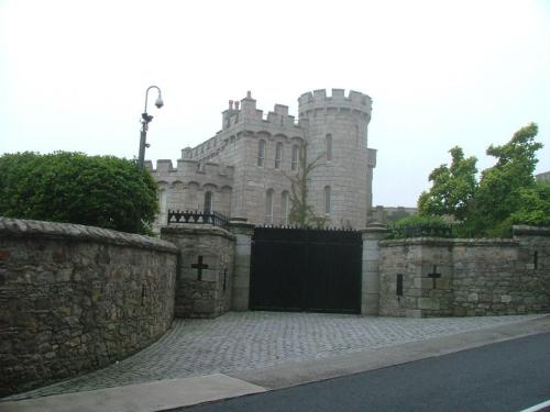 Killineycastle