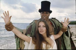 Jane Seymour y Geoffrey Holder