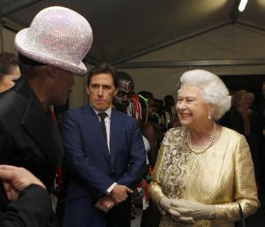 GRACE JONES Y LA REINA ISABEL II