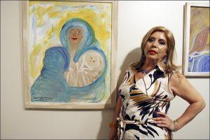 María Jiménez en una exposición en Sevilla que reúne cuadros pintados por ella