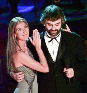 El tenor italiano Andrea Bocelli y la cantante Celine Dion.