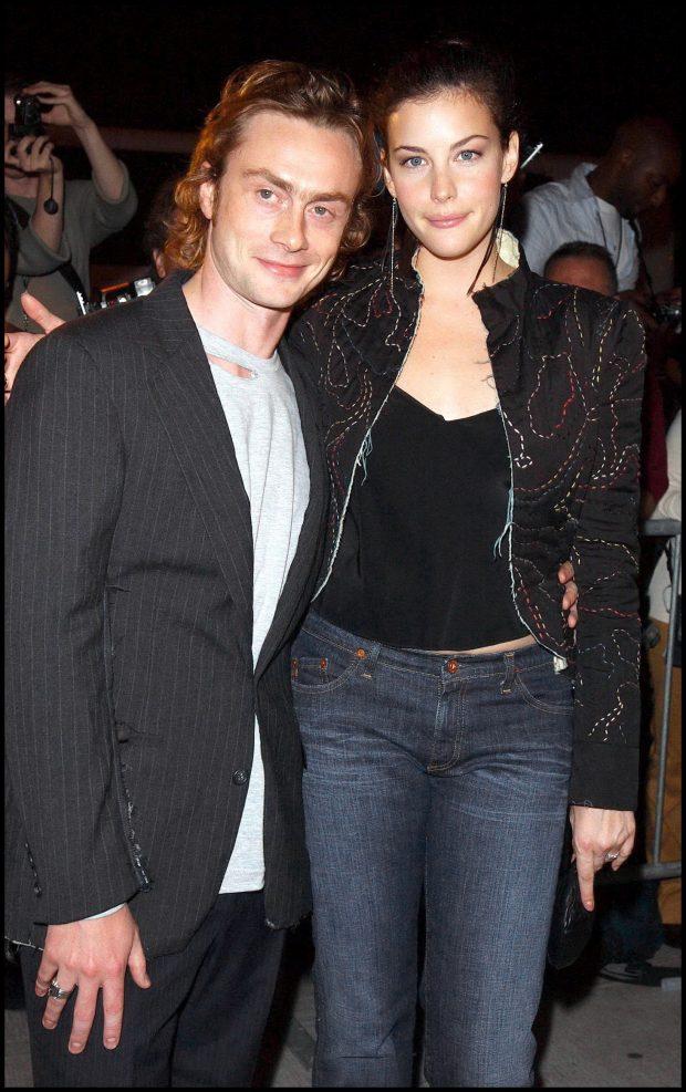 Royston Langdon y Liv Tyler