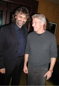 El actor Richard Gere y el tenor Andrea Bocelli
