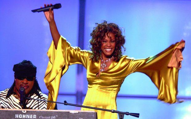 Stevie Wonder y Whitney Houston en un concierto solidario en Las Vegas en 2003