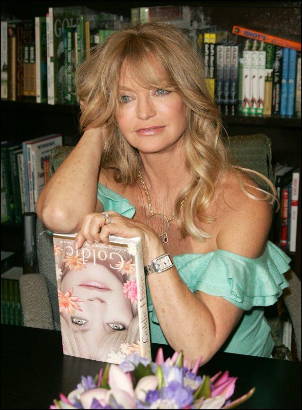 Goldie Hawn presenta su autobiografía en 2005