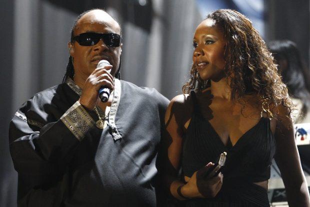 Stevie Wonder y su hija Aisha Morris cantan juntos en Marruecos