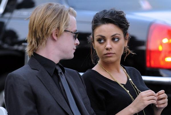 Mila Junis acompañó y apoyó a Macaulay Culkin en el funeral de Michael Jackson en agosto de 2009