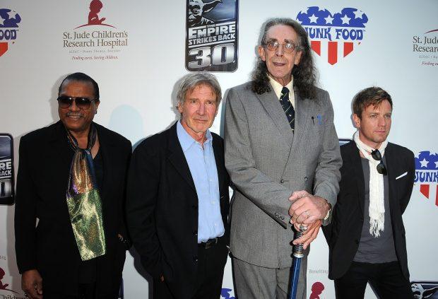 Billy Dee Williams, Harrison Ford, Peter Mayhew (Chewacca) y Ewan McGregor en un acto benéfico de 2010.