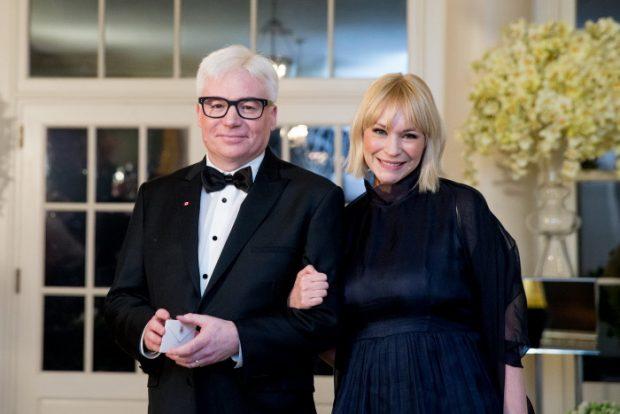 Mike Myers y su mujer, Kelly, en la Casa Blanca, donde asistieron a una cena de gala en marzo de 2016