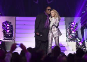 Madonna y Stevie Wonder en los premios Billboard Music Awards 2016