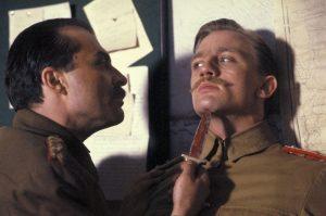Daniel Craig, irreconocible en Las aventuras del joven Indiana Jones