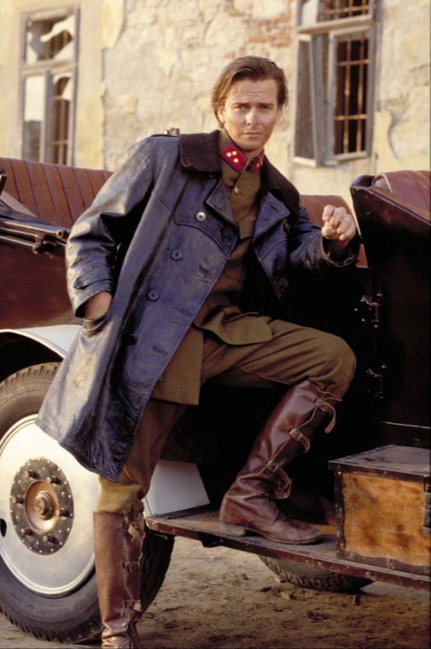 El actor Sean Patrick Flanery en el papel de Indiana Jones