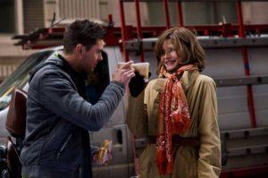 Michelle Pfeiffer y Zac Effron en la película Noche de fin de año