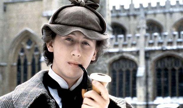 Nicholas Rowe, el joven Sherlock Holmes en la película El secreto de la pirámide