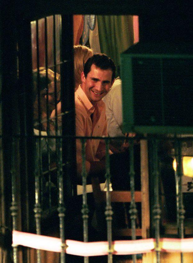 Eva Sannum y el príncipe Felipe en un restaurante mexicano El Cuchy en Madrid, en noviembre de 1997