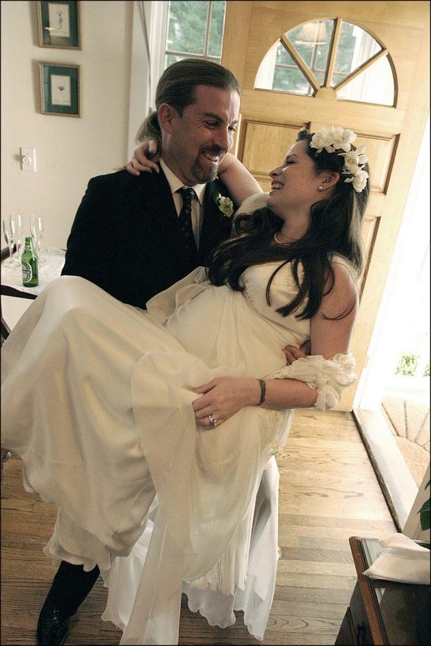 Mary Holly Combs y David Dohono en su boda en febrero de 2004.