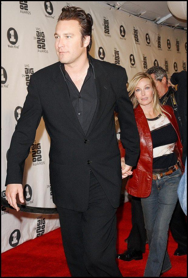 Una de las primeras apariciones públicas de John Corbett y Bo Derek como pareja, en 2002.