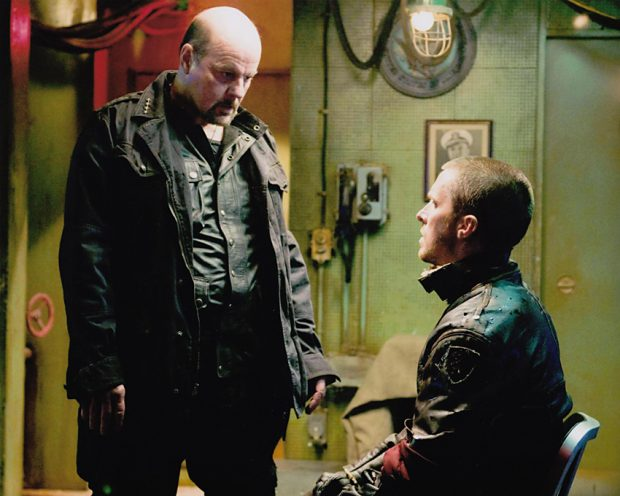 Michael Ironside en el papel del General Ashdown en 'Terminator Salvation', junto a Christian Bale.