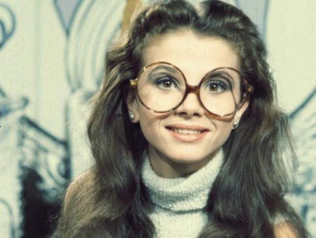 Victoria Abril como azafata de 'Un, dos, tres'.