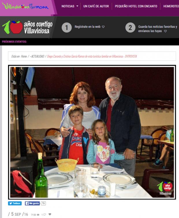 Cristina García Ramos con su marido y sus nietos en una entrevista concedida a la web villaviciosa.