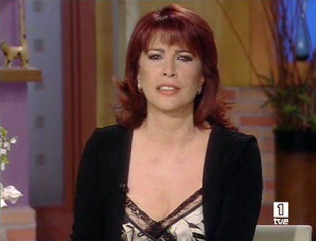La periodista Cristina García Ramos en su mensaje de despedida en su último programa de 'Corazón, corazón', el 6 de julio de 2008.