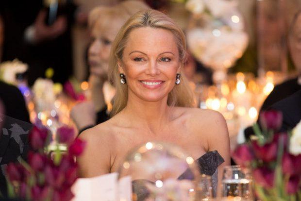 La actriz Pamela Anderson en la 40 edición de 'The Best Awards' en París, 27 de enero de 2017