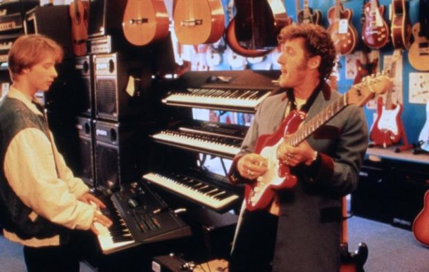 Chesney Hawks y Roger Daltrey, cantante de The Who, padre e hijo en la película 'Buddy's song' (1991).