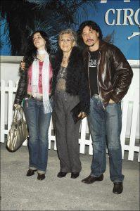 Beatriz Rico, Pilar Bardem y Carlos Bardem en 2006.
