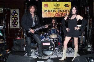 Beatriz Rico en un concierto en sus inicios rockeros, con su banda de entonces, 'Be Rock' en Madrid, en noviembre de 2013.