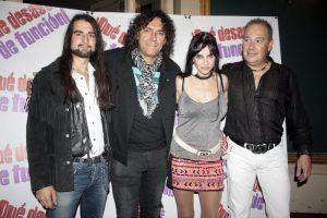 La actriz Beatriz Rico con los componentes de su grupo Be Rock en 2013.