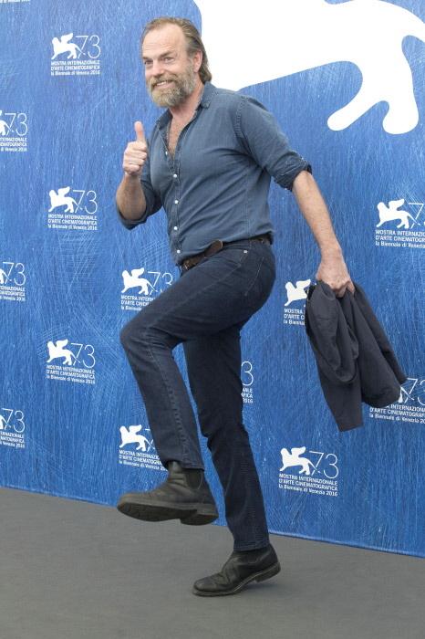 Hugo Weaving en la presentación de 'Hasta el último hombre' en el festival de Venecia, en septiembre de 2016. (GTRES)