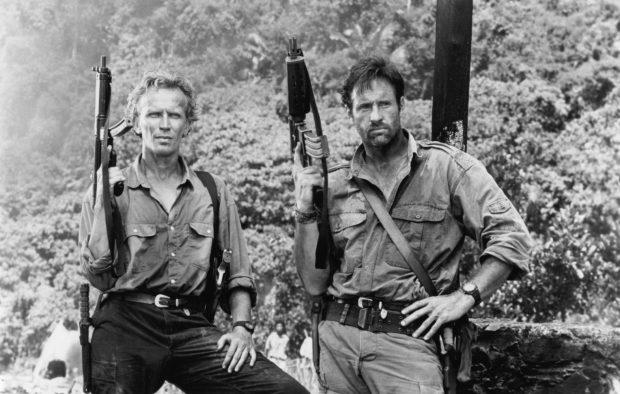 Robert Hays y Peter Weller en 'Comando alto riesgo' (1992).