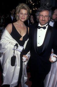Steven Spielberg y Kate Capshaw en la ceremonia de los Oscar en 1994.