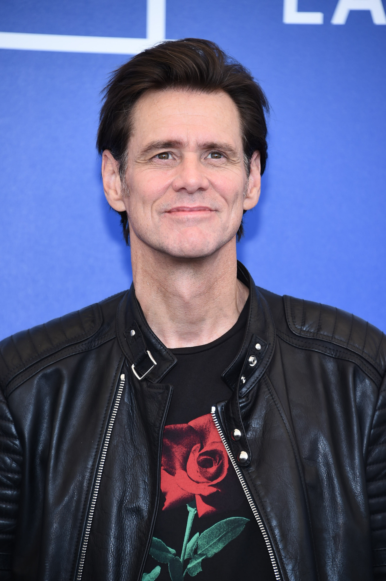 jim carry Exclusive: here's an intriguing combination: jim carrey and sonic the hedgehogsources said carrey is negotiating to star in the paramount film in the role of robotnik, a villain in the live action/cgi adaptation of the hit sega video game.