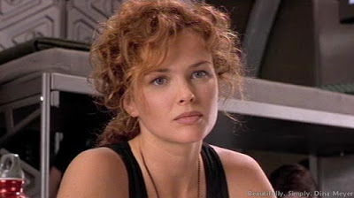 dina-meyer-starship-troopers