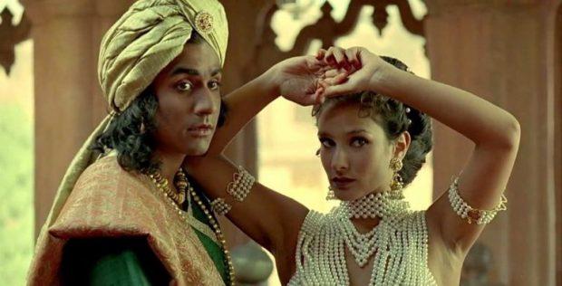 Naveen-Andrews-Indira-Varma-kama-sutra