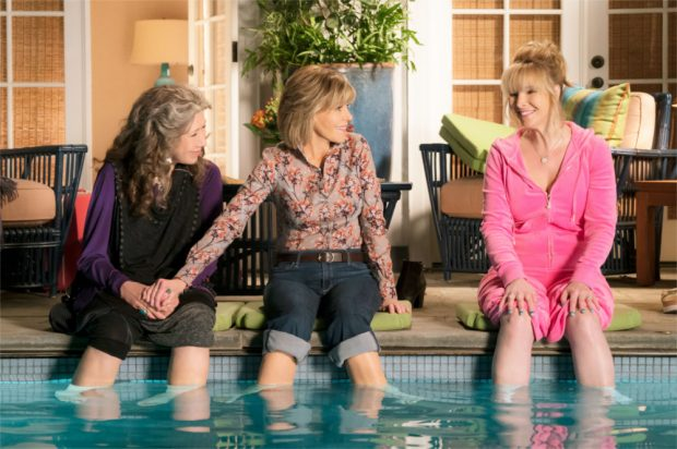 lisa-kudrow-grace-and-frankie