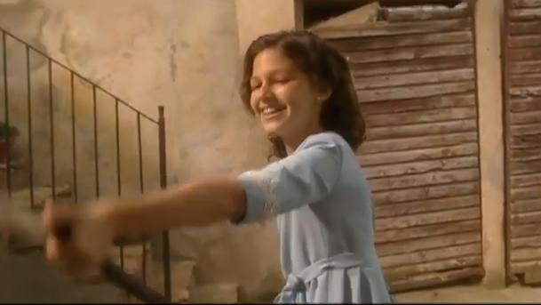 Ursula-Corberó-niña