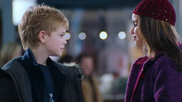 olivia-olson-thomas-brodie-sangster-love-actually