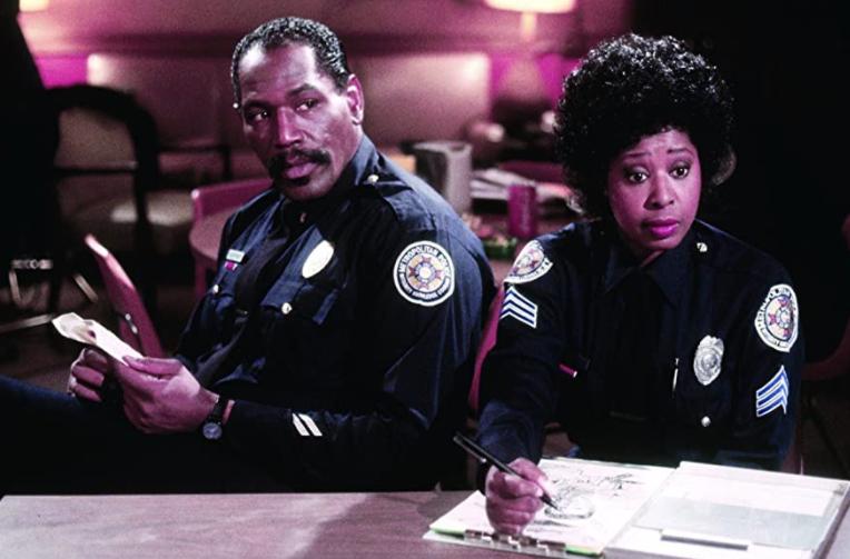 Marion-Ramsey-loca-academia-de-policía-6