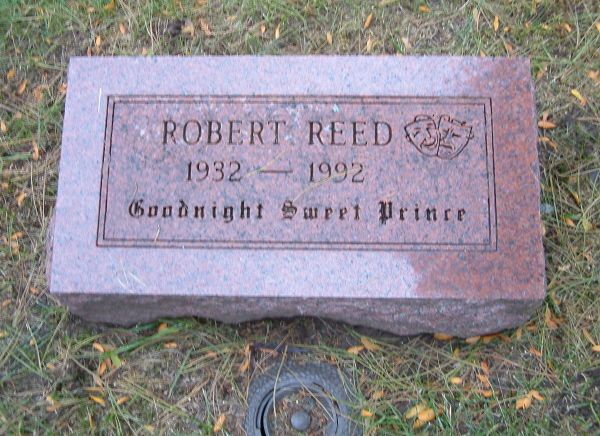 epitafio-robert-reed