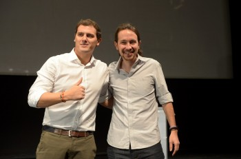 """Los políticos Albert Rivera y Pablo Iglesias durante el acto """" España a debate """" en Madrid 27/11/2015"""