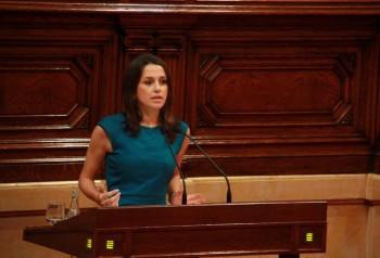 La líder de Ciudadanos en Cataluña, en el Parlament (ACN).